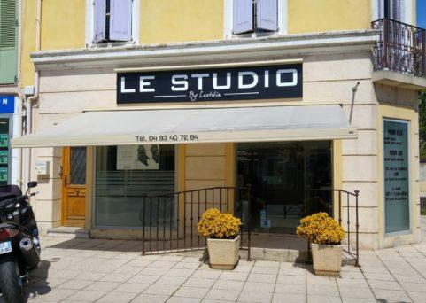 Enseigne pour Le Studio à Pégomas